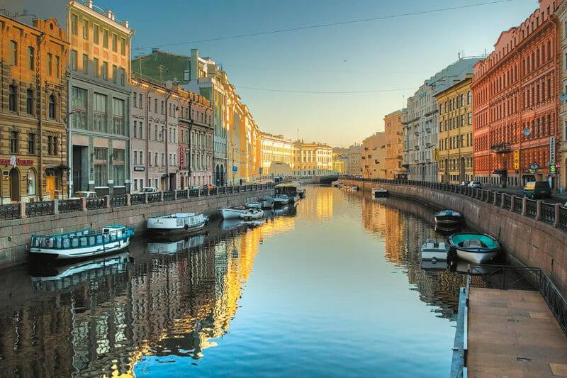 Voyage organisé à St-Pétersbourg et découverte du canal