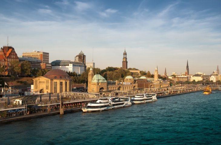Arrivée à Southampton après une croisière depuis Hambourg avec le Queen Mary 2