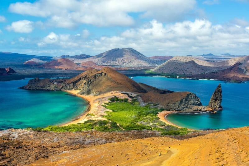 Vue depuis l'île Bartolomé aux Galapagos