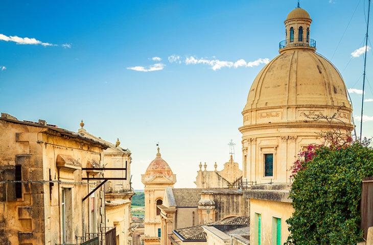 Visiter la ville baroque de Noto en voyage en groupe en Sicile