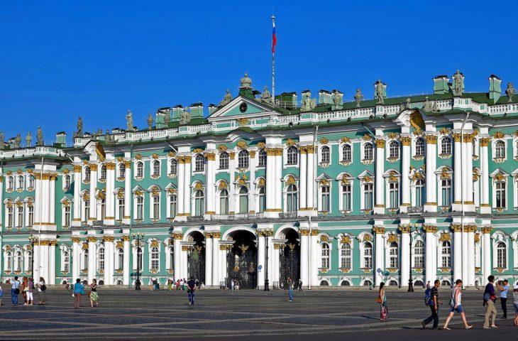 Visiter le Musée de l'Ermitage avec un voyage organisé à St-Petersbourg