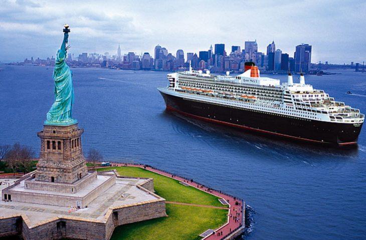 Arrivée à New York avec une croisière sur le Queen Mary 2
