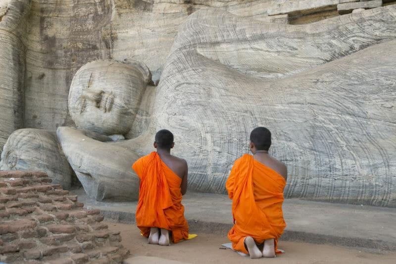 Voyage en groupe Sri Lanka Bouddha couché Polonnaruwa