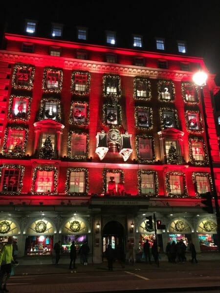 Shopping de Noël en voyage en groupe à Londres