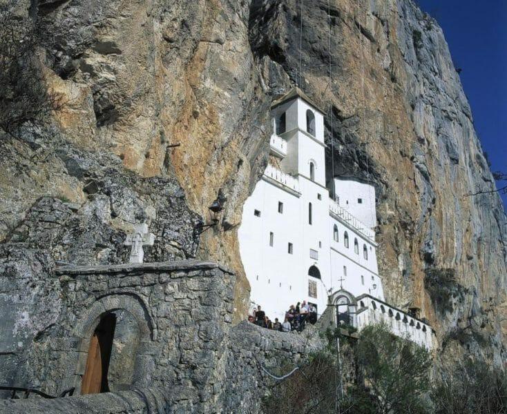 Monastrère d'Ostrog en voyage organisé en Serbie-Monténégro