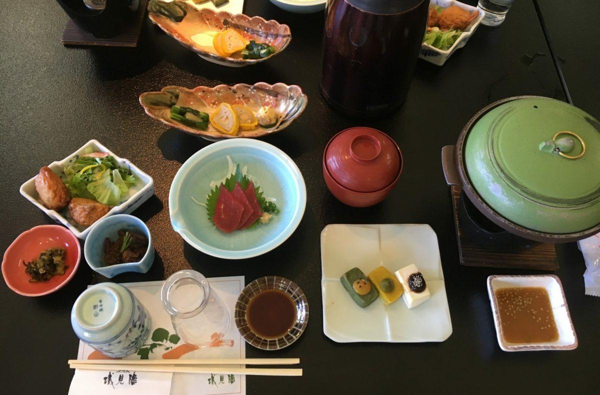 Repas typiques à déguster en voyage au Japon en automne