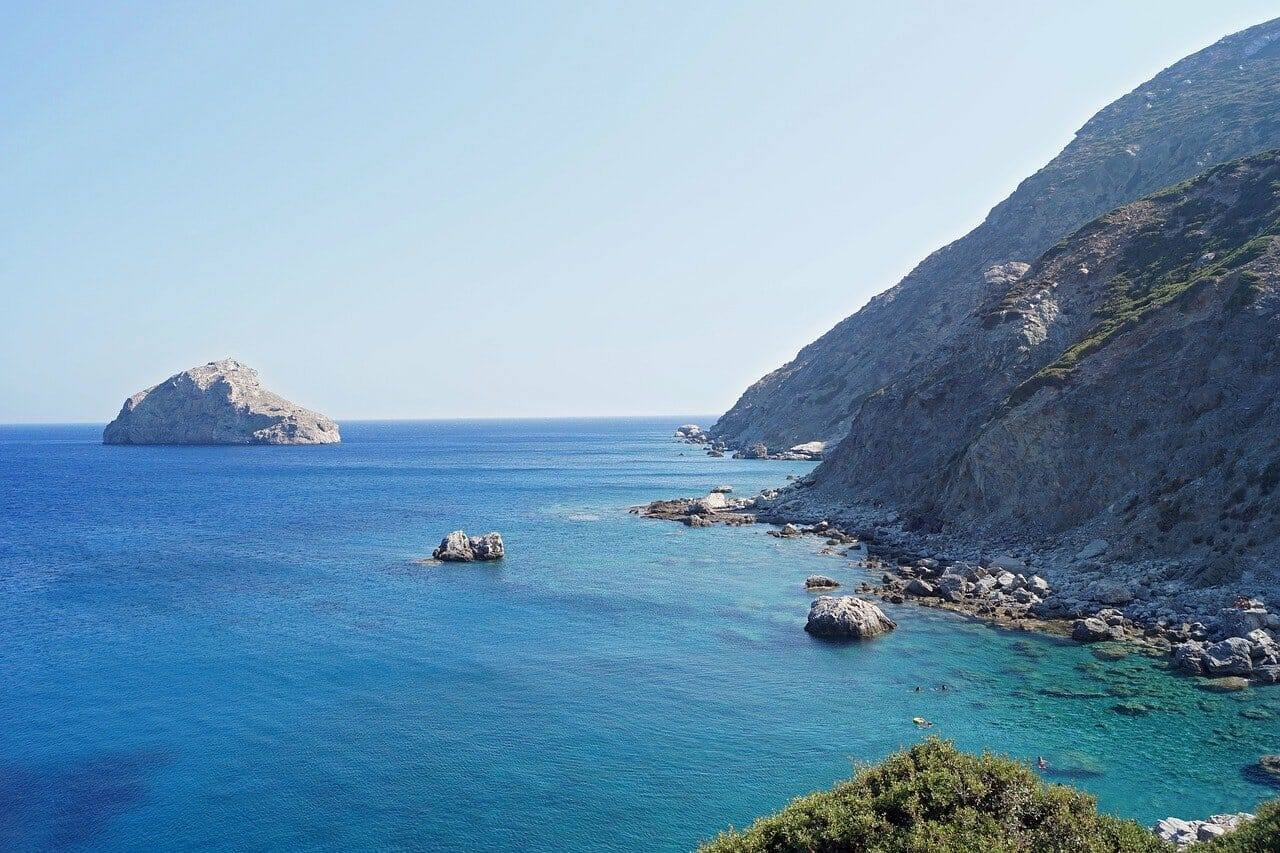 Vacances balnéaires en été à Amorgos dans les Cyclades