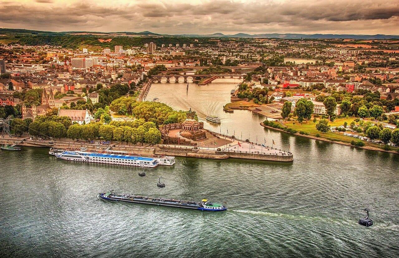 Visiter Coblence en Allemagne en été