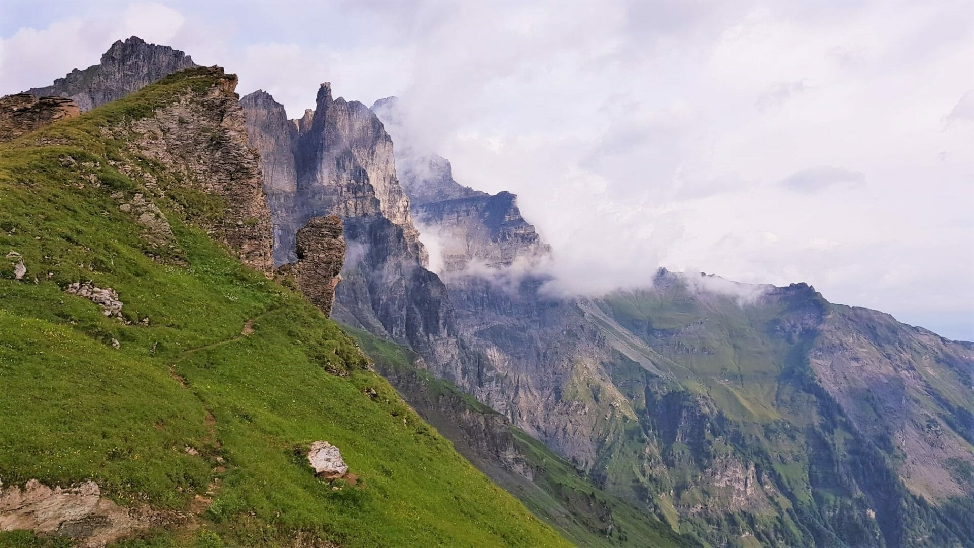 Randonnée en Suisse, Tour des Dents du Midi