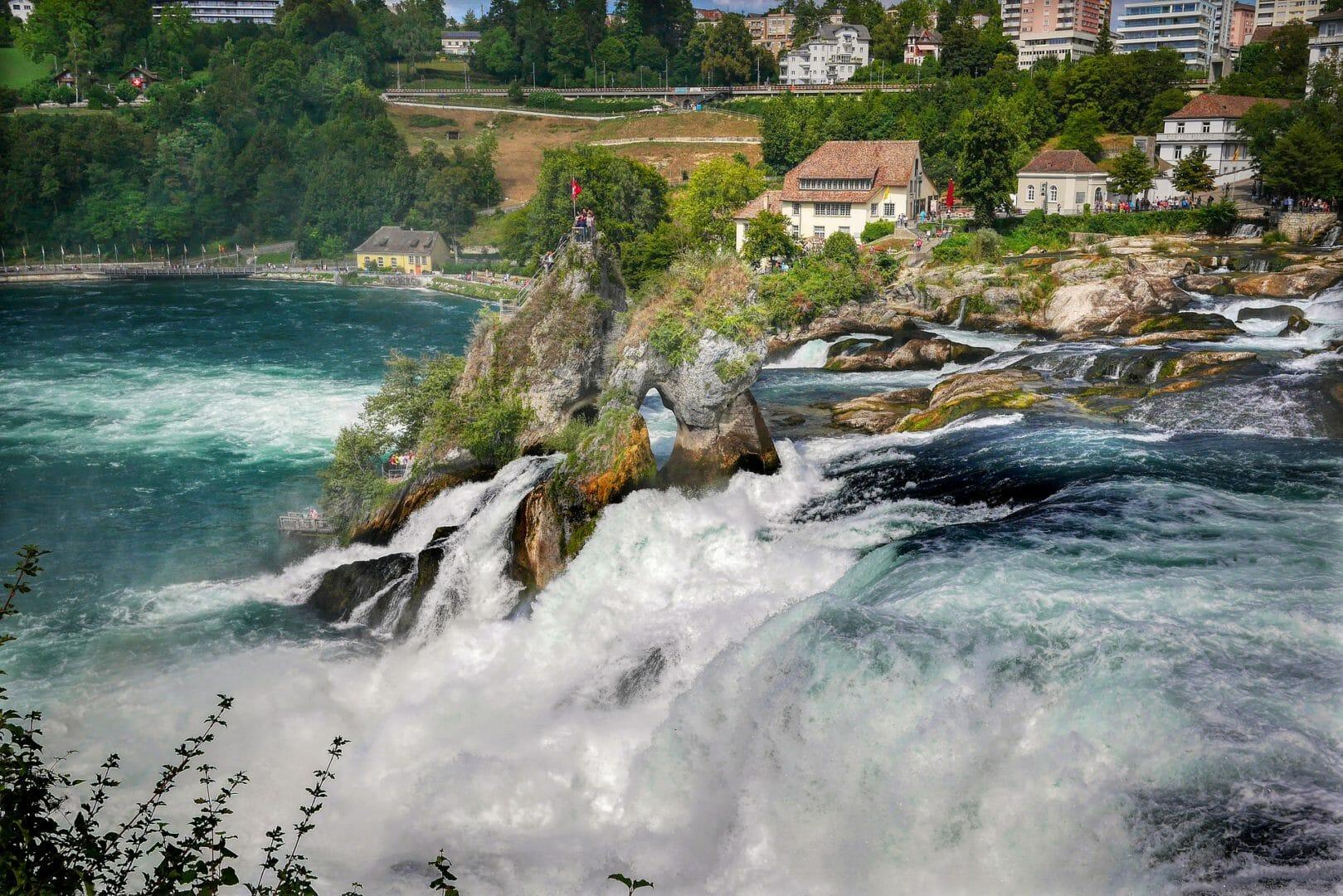 Visiter les Chutes du Rhin en Suisse
