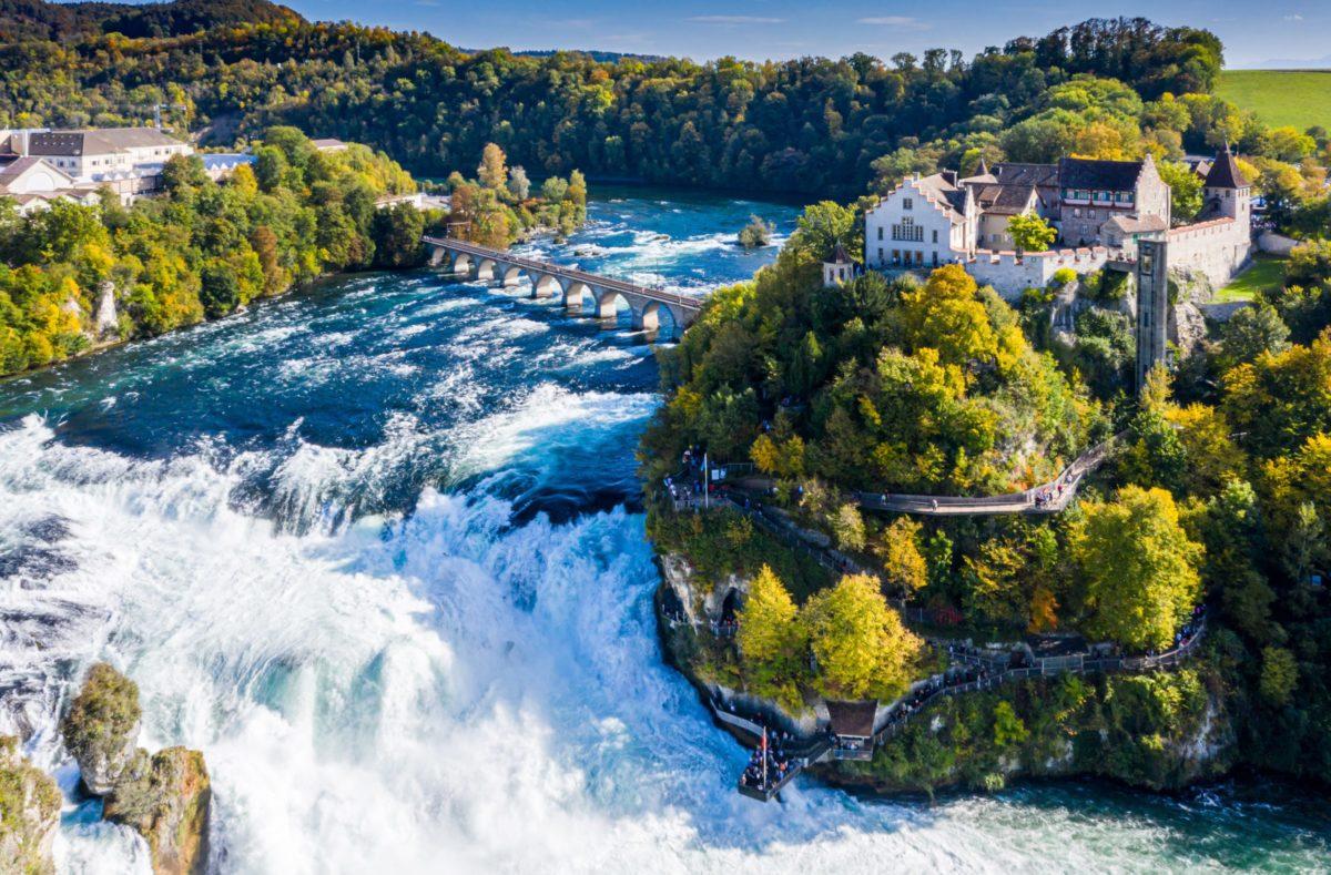 Chutes du Rhin à Schaffhouse en Suisse orientale