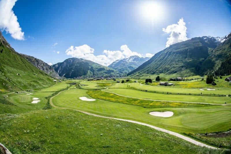 Séjour golfique à Andermatt au milieu des montagnes