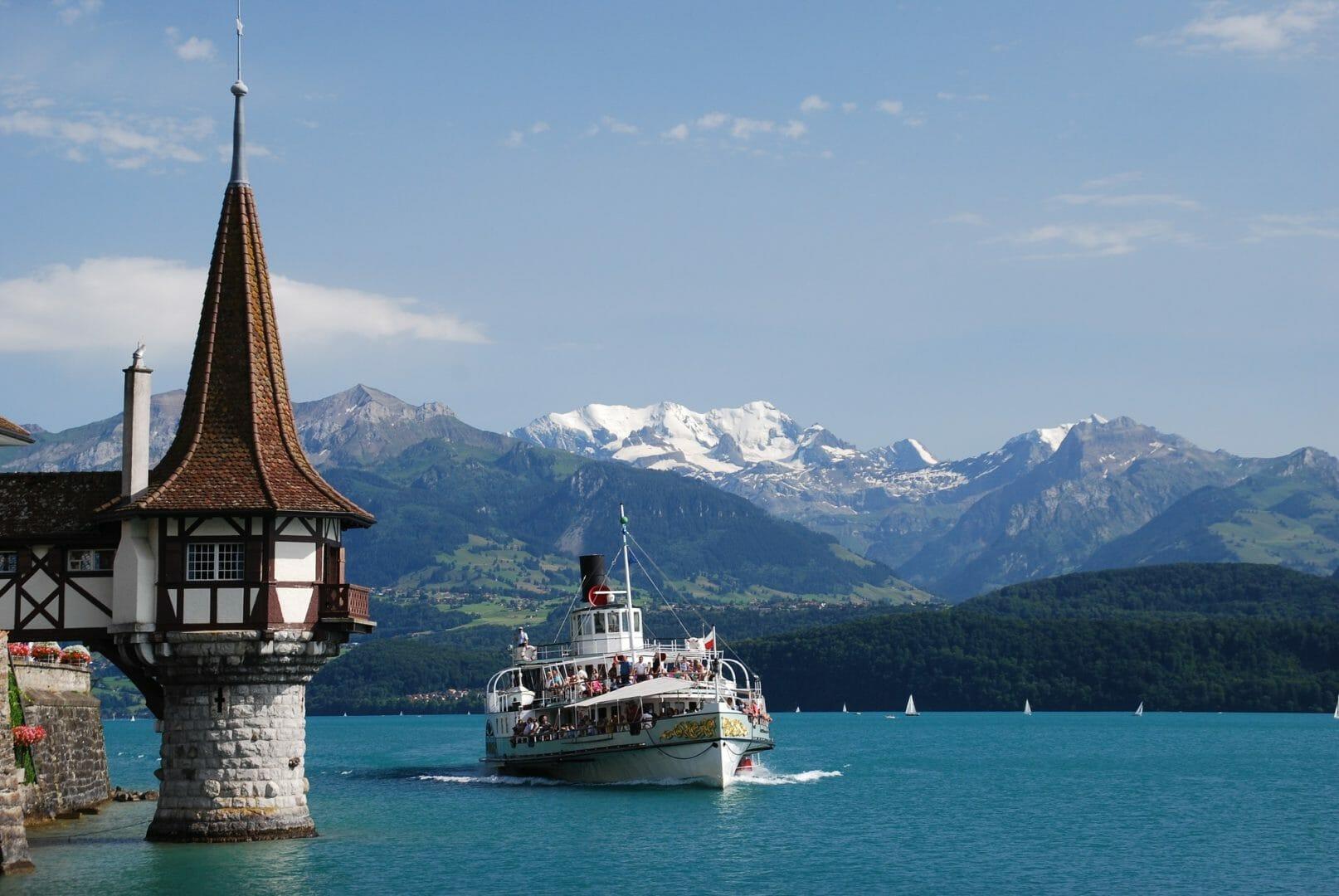 Lac de Thoune à visiter en Suisse