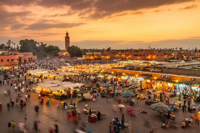 Voyage en groupe à Marrakech et visiter Place Jamaa el Fna