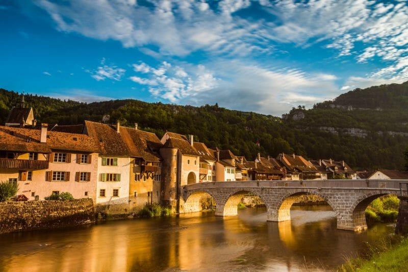 Visiter en groupe Sainte-Ursanne dans le Jura