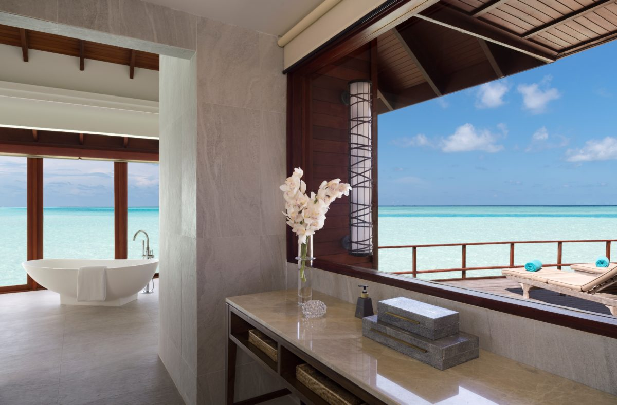Salle de bain pilotis Anantara Dhigu Maldives Resort