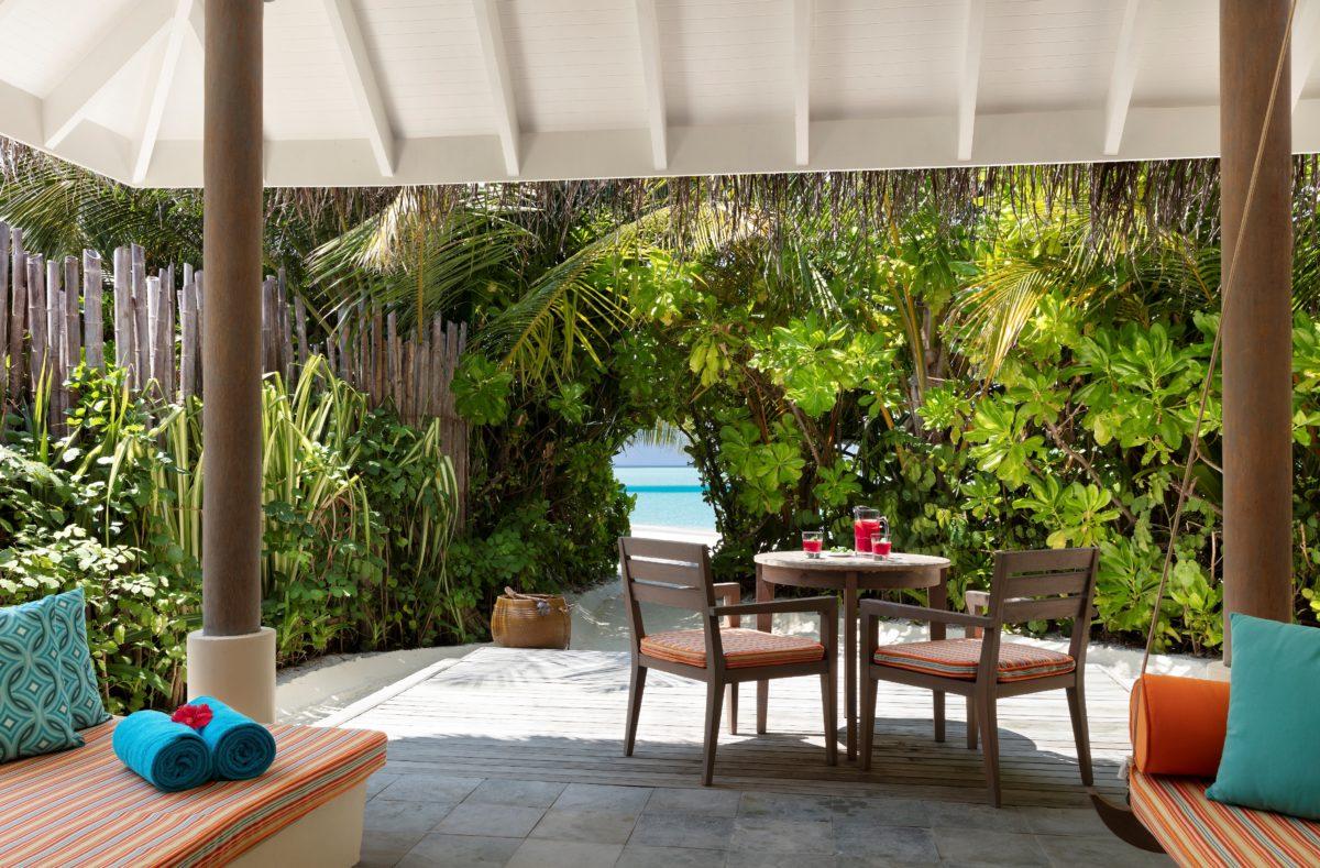 Cours villas sur la plage Anantara Dhigu Maldives Resort