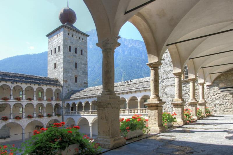 Visiter en groupe du Château Stockalper