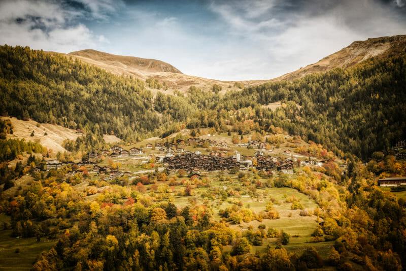 Visiter Albinen dans le Haut-Valais rustique
