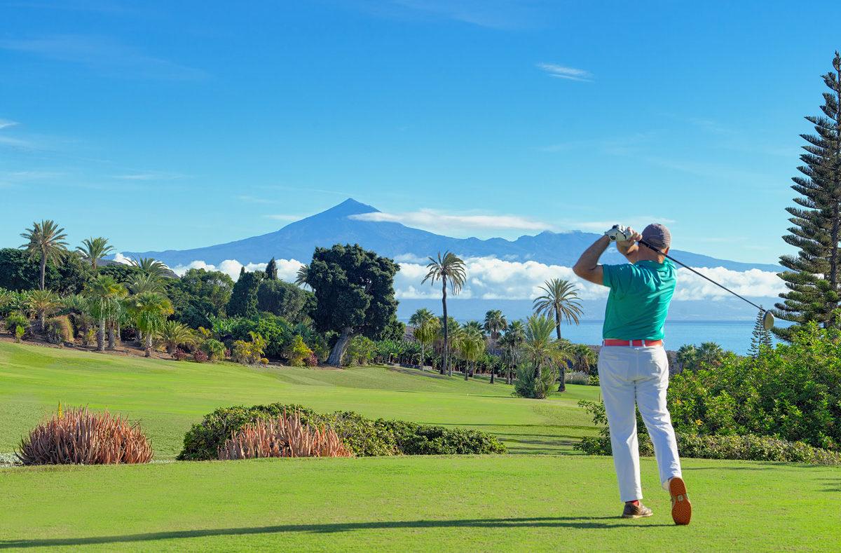 Golf à La Gomera avec vue sur le Teide
