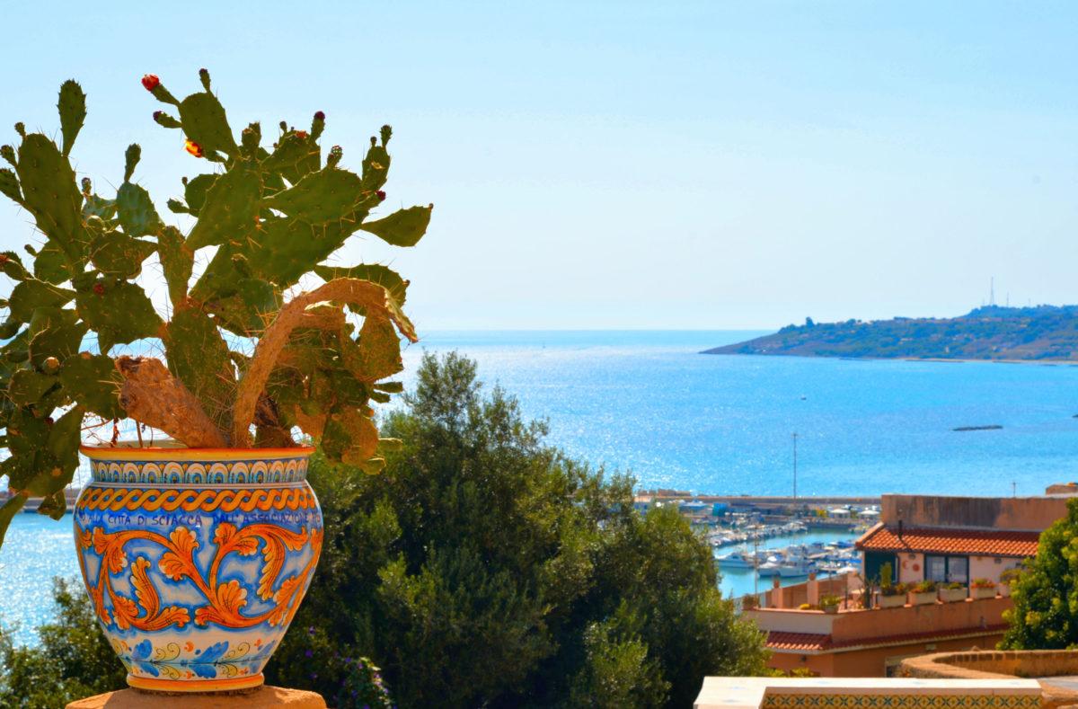 Vue sur le port et la mer Sciacca, Sicile
