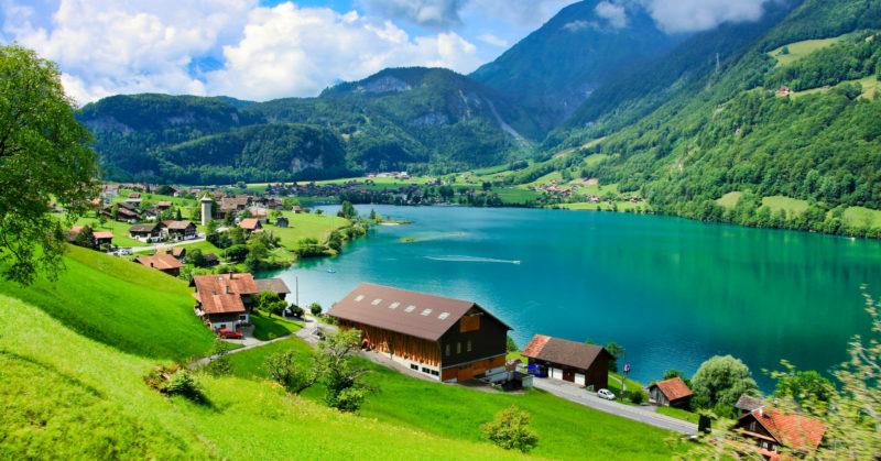 Visiter en groupe le Lac de Lungern en Suisse centrale