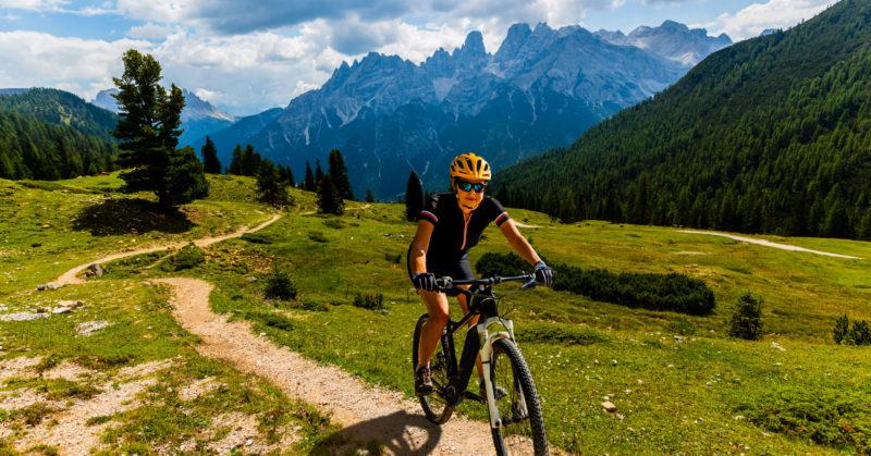 Randonnée vélo dans les Dolomites