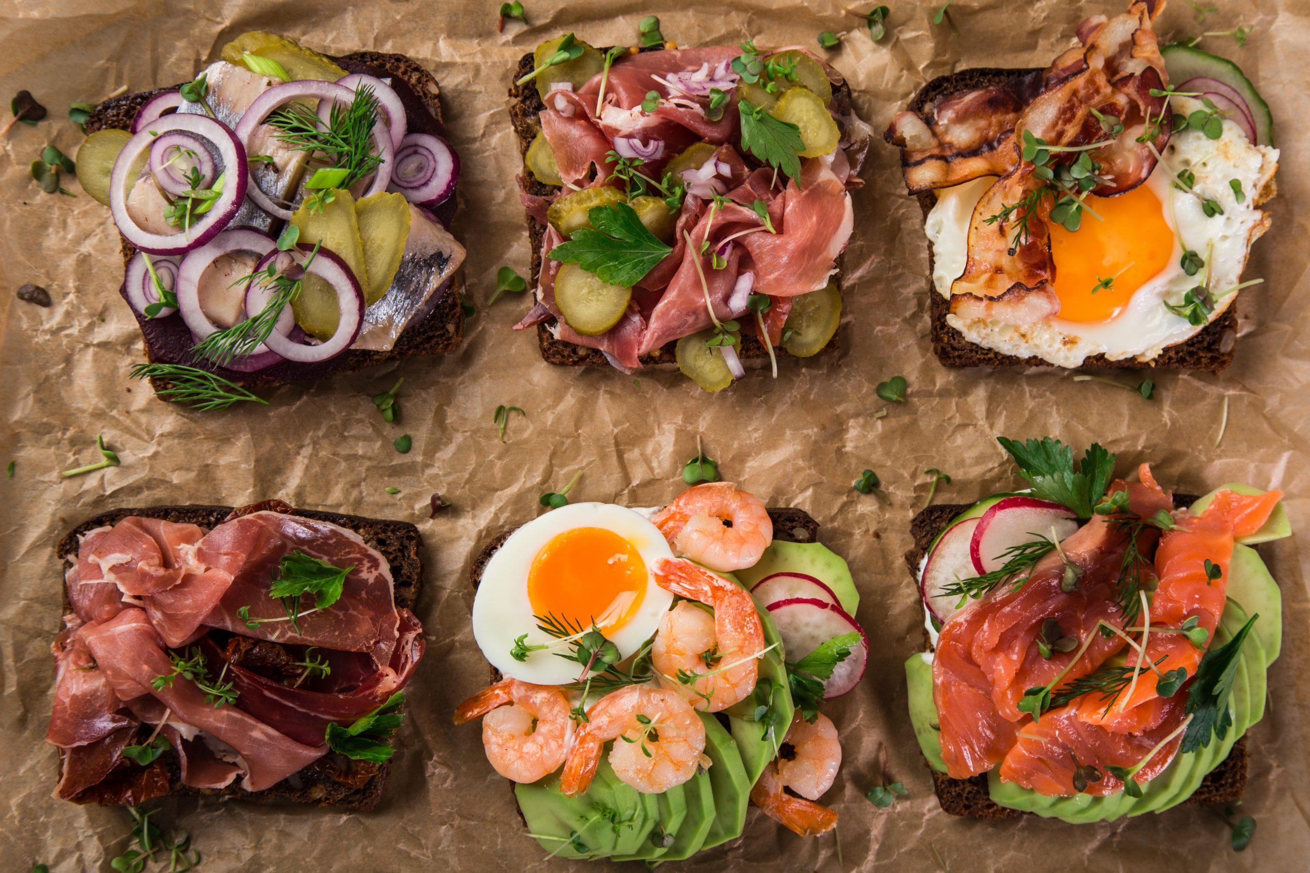 Spécialités culinaires danoises les smorrebrod