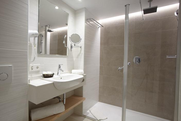 Universal Hotel Cabo Blanco_chambre double supérieur salle de bain
