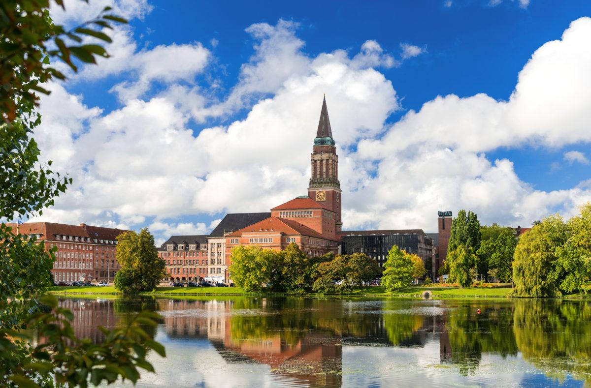 Centre-ville de Kiel avec mairie, opéra et Petit Kiel