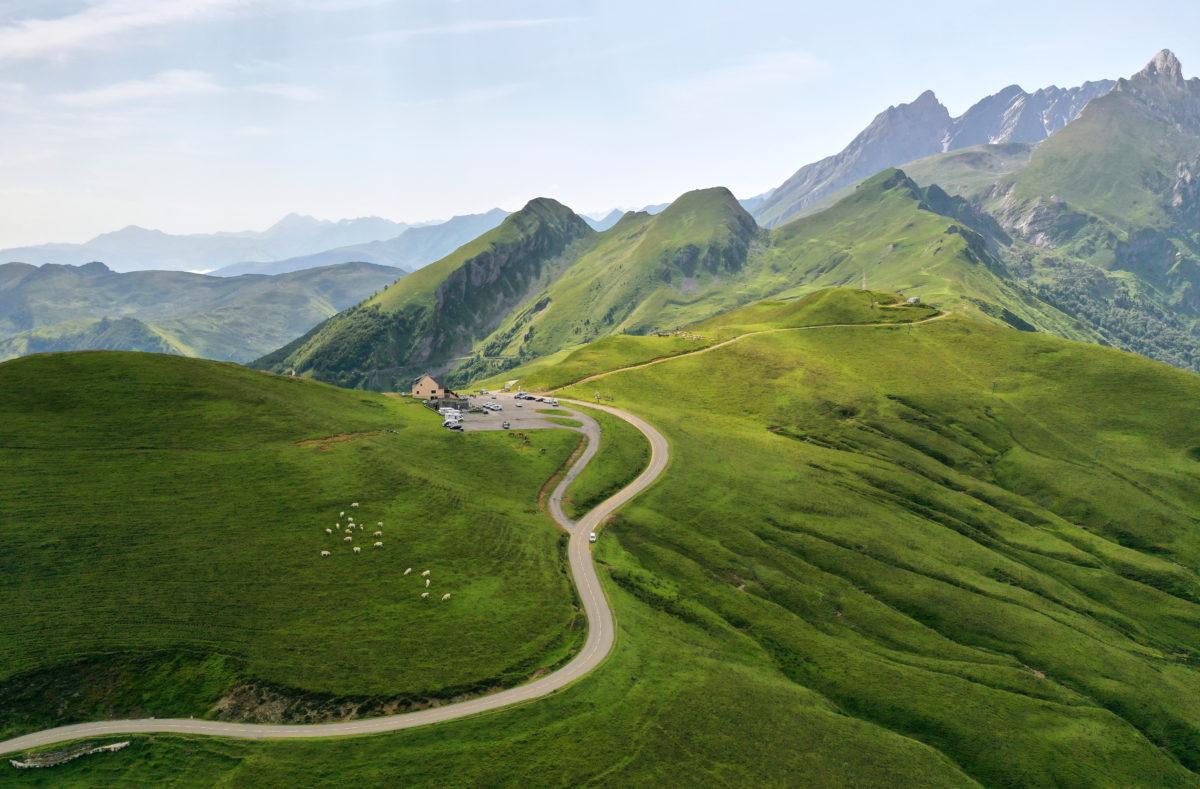 Col de l'Aubisque entre les vallées d'Osseau et de Pau France