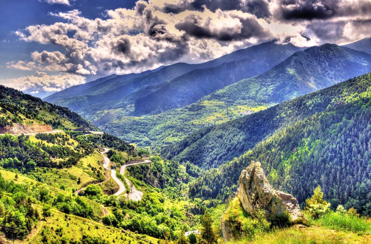 Vue sur les Pyrénées catalanes, parc naturel en France