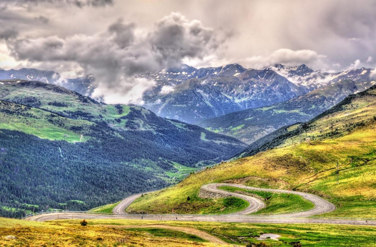 Vue du col du Port d'Envalira (2408 m) en Andorre