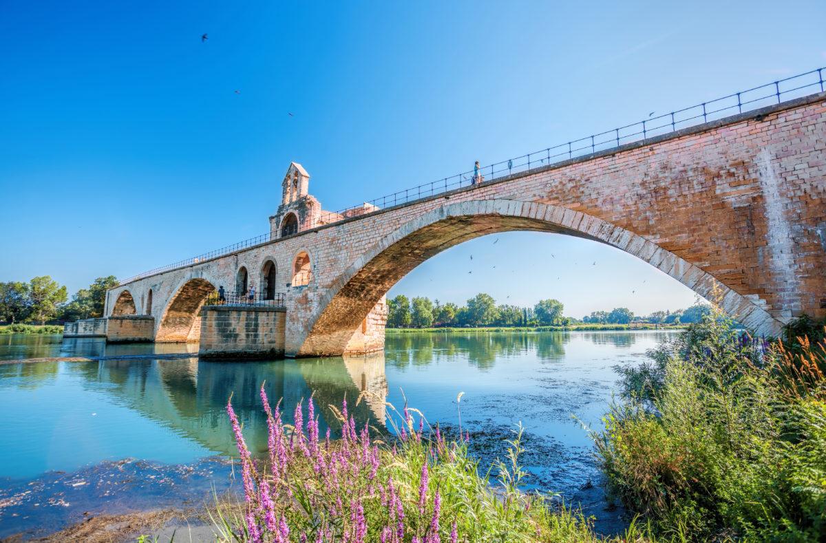 Vieux pont d'Avignon en Provence, France