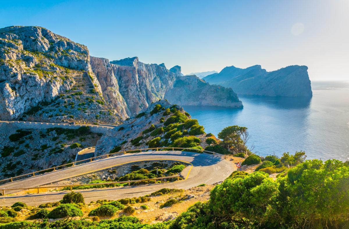 Route côtière à Majorque en direction du phare Far Forentor