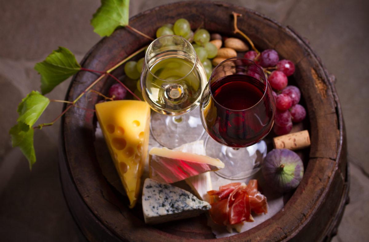 Gastronomie française vin et fromage en Bourgogne et Champagne